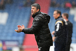 Oldham Athletic manager Stephen Robinson encourages his players - Mandatory by-line: Matt McNulty/JMP - 03/09/2016 - FOOTBALL - Sportsdirect.com Park - Oldham, England - Oldham Athletic v Shrewsbury Town - Sky Bet League One