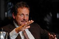 16 NOV 2006, BERLIN/GERMANY:<br /> Frank Bsirske, Vorsitzender der Gewerkschaft ver.di, Vereinte Dienstleistungsgewerkschaft, waehrend einem Interview, in seinem Buero, Ver.di Bundesverwaltung<br /> IMAGE: 20061116-01-056