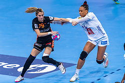 14-12-2018 FRA: Women European Handball Championships France - Netherlands, Paris<br /> Second semi final France - Netherlands / Estavana Polman #79 of Netherlands , Beatrice Edwige #24 of France
