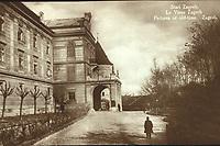 Stari Zagreb = Le Vieux Zagreb = / Pictures of old-time. Zagreb. <br /> <br /> ImpresumZagreb : Naklada S. Marković, [19--].<br /> Materijalni opis1 razglednica : tisak ; 8,5 x 13,5 cm.<br /> SuradnikMosinger, Rudolf(1865.–1918.)<br /> NakladnikNaklada S. Marković<br /> Mjesto izdavanjaZagreb<br /> Vrstavizualna građa • razglednice<br /> ZbirkaGrafička zbirka NSK • Zbirka razglednica<br /> Formatimage/jpeg<br /> PredmetZagreb –– Kaptol<br /> Nadbiskupski dvor (Zagreb)<br /> SignaturaRZG-KAP-2<br /> Obuhvat(vremenski)20. stoljeće<br /> NapomenaRazglednica nije putovala. • Razglednica je tiskana po fotografiji R. Mosingera.<br /> PravaJavno dobro<br /> Identifikatori000952703<br /> NBN.HRNBN: urn:nbn:hr:238:272785 <br /> <br /> Izvor: Digitalne zbirke Nacionalne i sveučilišne knjižnice u Zagrebu