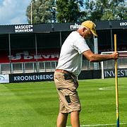 NLD/Almere/202020822 - FC Almeree - FC Groningen oefenduel, veld onderhoud