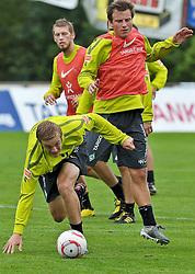 30.07.2010, Thermenstadion, Bad Waltersdorf, AUT, Trainingslager Werder Bremen 1. FBL 2010 - Day02 im Bild     Felix Kroos (Bremen #18) Philipp Bargfrede ( Werder #44 ) EXPA Pictures © 2010, PhotoCredit: EXPA/ nph/  Kokenge+++++ ATTENTION - OUT OF GER +++++ / SPORTIDA PHOTO AGENCY