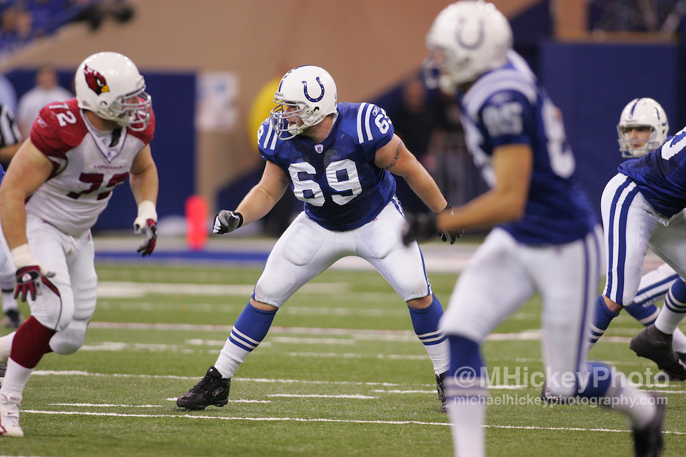 Matt Ulrich #69 of the Indianapolis Colts drops back to block during action against the Arizona Cardinals at the RCA Dome in Indianapolis, Indiana..Sports photography by Michael Hickey