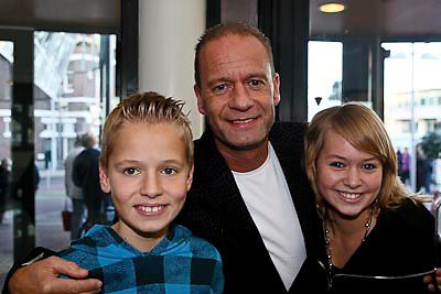 NLD/Zaandam/20081207 - Premiere Op Hoop van Zegen, Ron Boszhard en kinderen Niels en Naomi