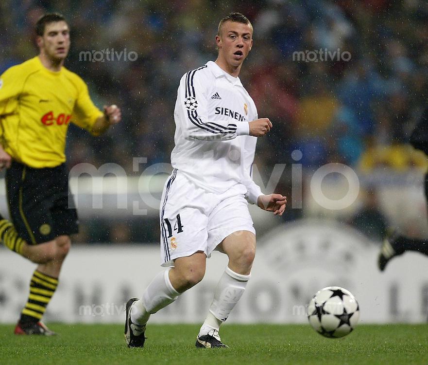 FUSSBALL Champions League 2002/2003 Gruppe C 3. Spieltag Real Madrid 2-1 Boeussia Dortmund   Guti (Real)