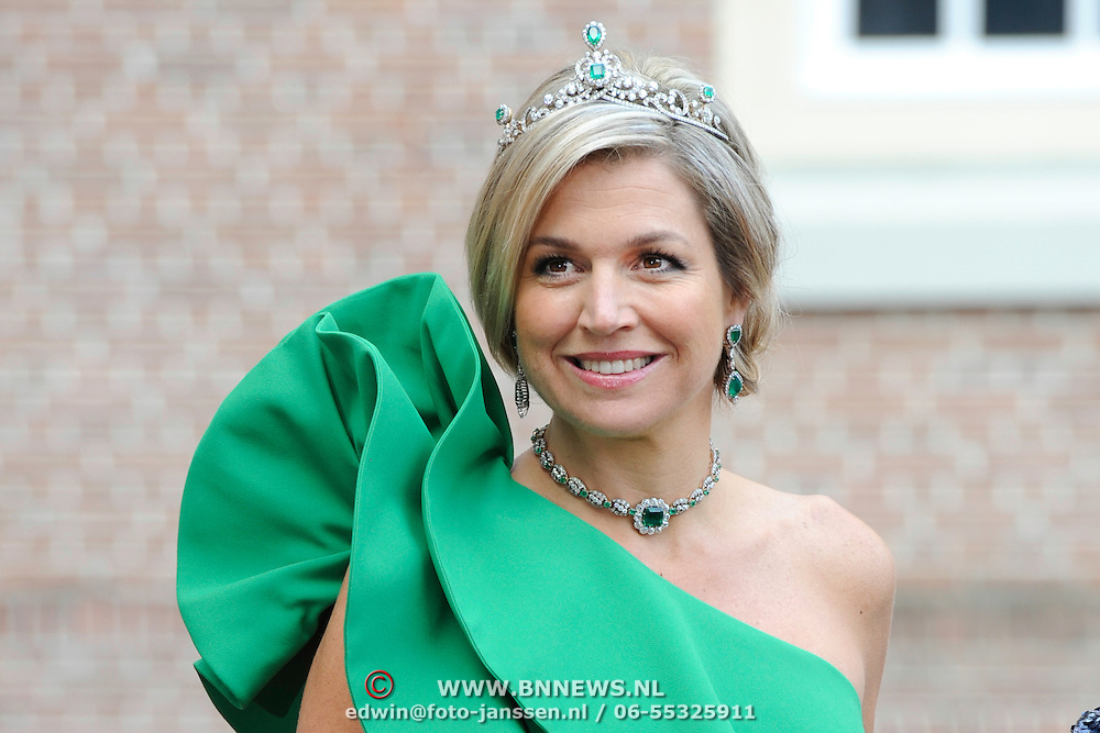 Aankomst van de koninklijke gasten op Paleis Het Loo voor het Diner.<br /> <br /> Arrival of the royal guests at Het Loo Palace for Dinner.<br /> <br /> Op de foto / On the photo: <br />  Koningin Maxima / Queen Maxima