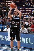 DESCRIZIONE : Milano BEKO Final Eigth  2016<br /> Giorgio Tesi Group Pistoia - Dolomiti Energia Trento<br /> GIOCATORE : Toto Forray<br /> CATEGORIA :  Tiro<br /> SQUADRA : Dolomiti Energia Trento<br /> EVENTO : BEKO Final Eight 2016<br /> GARA : Giorgio Tesi Group Pistoia - Dolomiti Energia Trento<br /> DATA : 19/02/2016<br /> SPORT : Pallacanestro<br /> AUTORE : Agenzia Ciamillo-Castoria/M.Longo<br /> Galleria : Lega Basket A 2016<br /> Fotonotizia : Milano Final Eight  2015-16 Giorgio Tesi Group Pistoia - Dolomiti Energia Trento<br /> Predefinita :