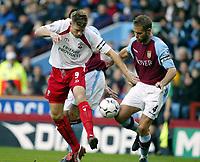 Fotball, 29. november 2003, Premier League, Aston Villa - Southampton,   James Beattie, Southamton og Olof Mellberg, Aston Villa