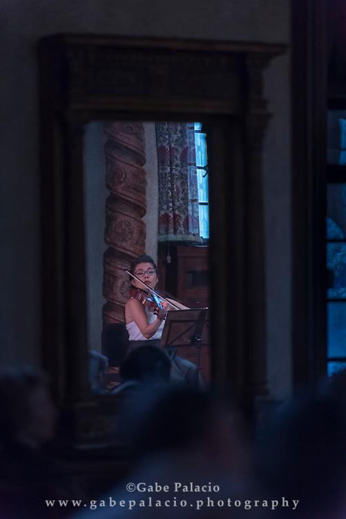 Aizuri Quartet, the 2015-16 Ernst Stiefel String Quartet-in-Residence, with Miho Saegusa, violin, Zoë Martin-Doike, violin, Ayane Kozasa, viola, Karen Ouzounian, cello, perform in the Music Room of the Rosen House at Caramoor in Katonah New York on April 17, 2016. <br /> (photo by Gabe Palacio)