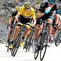 Frankrijk, La Toussuire, 24-07-2015.<br /> Wielrennen, Tour de France.<br /> Etappe van Saint-Jean-de-Maurienne naar La Toussuire<br /> Cris Froome jaagt achter zijn knecht Wout Poels de beklimming naar La Toussuire op achter Vincenzo Nibali aan.<br /> Foto: Klaas Jan van der Weij