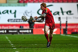 Scarlets' Rhys Patchell in action during todays match<br /> <br /> Photographer Craig Thomas/Replay Images<br /> <br /> Guinness PRO14 Round 13 - Scarlets v Dragons - Friday 5th January 2018 - Parc Y Scarlets - Llanelli<br /> <br /> World Copyright © Replay Images . All rights reserved. info@replayimages.co.uk - http://replayimages.co.uk