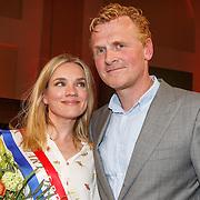 NLD/Amsterdam/20150430 - Uitreiking Mary Dresselhuys Prijs 2015, winnares Anniek Pheifer en partner Rene van Zinnicq Bergman