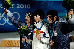 14-02-2010 ALGEMEEN: OLYMPISCHE SPELEN: CEREMONIE: VANCOUVER<br /> Ceremonie 1500 meter shorttrack / van rechts naar links CELSKI J.R., LEE Jung-Su KOR en OHNO Apolo Anton USA <br /> ©2010-WWW.FOTOHOOGENDOORN.NL
