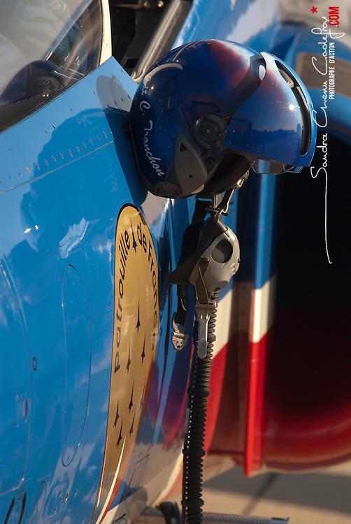 Dernière représentation 2011 des Alphajets de la Patrouille de France sur la base aérienne 701 Salon-de-Provence.<br /> novembre 2011 / Salon de Provence / Bouches du Rhône (13) / FRANCE<br /> Cliquez ci-dessous pour voir le reportage complet en accès réservé<br /> http://sandrachenugodefroy.photoshelter.com/gallery/2011-11-Derniere-de-la-Patrouille-de-France-Complet/G0000Ua4aIlgyMpk/C0000yuz5WpdBLSQ