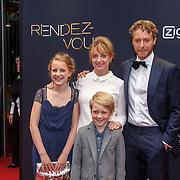 NLD/Amsterdam/20150601 - Premiere Rendez-vous, Mark van Eeuwen, Evie van der Laaken en Bobbie van Vleuten en Bianca Krijgsman