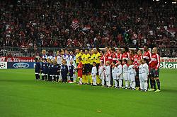 17.09.2013, Allianz Arena, Muenchen, GER, UEFA Champions League, FC Bayern Muenchen vs ZSKA Moskau, Gruppe D, im Bild Die Mannschaften von ZSKA Moskau und Bayern Muenchen vor dem ersten CL-Spiel in derSaison 2013/2014, // during the UEFA Champions League match between FC Bayern Munich and ZSKA Moskau at the Allianz Arena, Muenchen, Germany on 2013/09/17. EXPA Pictures © 2013, PhotoCredit: EXPA/ Eibner/ Wolfgang Stuetzle<br /> <br /> ***** ATTENTION - OUT OF GER *****