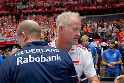 15-09-2019 NED: EC Volleyball 2019 Netherlands - Poland, Rotterdam<br /> First round group D - Poland win 3-0 / Coach Vital Heynen of Poland, Coach Roberto Piazza of Netherlands