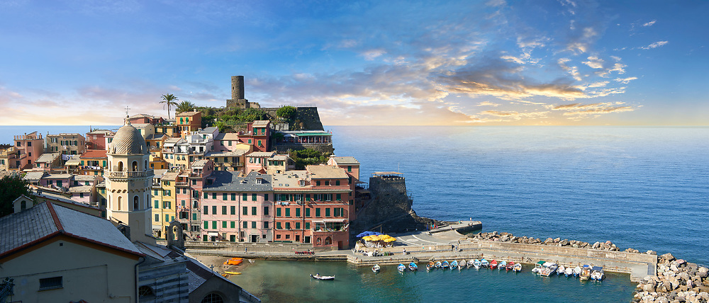 Harbour of the fishing port of Vernazza at sunrise, Cinque Terre National Park, Ligurian Riviera, Italy. A UNESCO World Heritage Site .<br /> <br /> Visit our CINQUE TERRE PHOTO COLLECTIONS for more  photos  to download or buy as prints https://funkystock.photoshelter.com/gallery/Cinque-Terre-Pictures-Photos-of-Cinque-Terre-Italy/G0000gYEYY_aCqgI/C0000qxA2zGFjd_k<br /> If you prefer to buy from our ALAMY PHOTO LIBRARY  Collection visit : https://www.alamy.com/portfolio/paul-williams-funkystock/vernazza-cinque-terre.html .<br /> <br /> Visit our ITALY HISTORIC PLACES PHOTO COLLECTION for more   photos of Italy to download or buy as prints https://funkystock.photoshelter.com/gallery-collection/2b-Pictures-Images-of-Italy-Photos-of-Italian-Historic-Landmark-Sites/C0000qxA2zGFjd_k