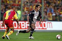 Fotball<br /> Frankrike 2004/05<br /> Lens v Ajaccio<br /> 2. oktober 2004<br /> Foto: Digitalsport<br /> NORWAY ONLY<br /> ANDRE LUIZ (AJA) / DANIEL COUSIN (LENS)