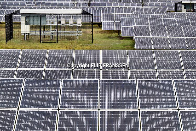 Nederland, Gelderland, Hengelo, 7-1-2019 SolarPark De Kwekerij. Foto: Flip Franssen