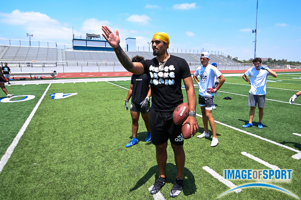 DJ Uiagalelei throws the ball during a workout at Norco High School, on Wednesday, July 2, 2020 in Norco, Calif. (Dylan Stewart/Image of Sport)