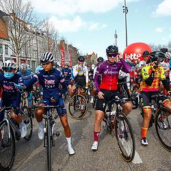 25-03-2021: Wielrennen: Classic Brugge - De Panne Women: De Panne<br />Voor de start Ceylin Alvarado, Jolien dHoore