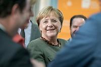 14 NOV 2018, POTSDAM/GERMANY:<br /> Angela Merkel, CDU, Bundeskanzlerin, waehrend einer Praesentation des HPI im Rahmen der Klausurtagung des Bundeskabinetts, Hasso Plattner Institut (HPI), Potsdam-Babelsberg<br /> IMAGE: 20181114-01-059<br /> KEYWORDS; Kabinett, Klausur, Tagung, freundlich, fröhlich, froehlich