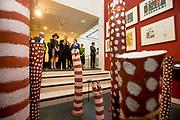 Koning Willem-Alexander en koningin Maxima tijdens de opening van de tentoonstelling Mapping Australia in het Aboriginal Art Museum (AAMU) in Utrecht. Het koningspaar bezoekt de tentoonstelling in aanloop naar de staatsbezoeken aan Australie en Nieuw-Zeeland. <br /> <br /> King Willem-Alexander and Queen Maxima at the opening of the exhibition Mapping Australia in the Aboriginal Art Museum (AAMU) in Utrecht. The royal couple will visit the exhibition in preparation for the state visit to Australia and New Zealand.<br /> <br /> Op de foto / On the photo:   Koning Willem-Alexander en koningin Maxima tijdens de opening van de tentoonstelling /// King Willem-Alexander and Queen Maxima at the opening of the exhibition