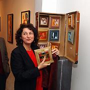 Monica van Rijn bij de opening van Galerie le Cadre Huizerweg 45 Bussum