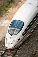 Europe, Germany, Cologne, high-speed train ICE in the town district Deutz.....Europa, Deutschland, Koeln, Hochgeschwindigkeitszug ICE im Stadtteil Deutz...