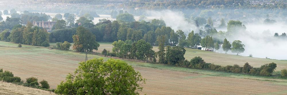 Dawn over the River Thames at Mapledurham, Berkshire, Uk