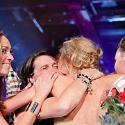 NLD/Hilversum/20111114 - Finale Holland Next Topmodel 2011, winnares Tamara Slijkhuis en familie