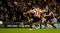 Photo: Jed Wee/Sportsbeat Images.<br /> Sunderland v Burnely. Coca Cola Championship. 27/04/2007.<br /> <br /> Sunderland's David Connolly makes up for his earlier miss from the spot by scoring at his second opportunity.