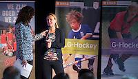 AMSTERDAM - Tischa Neven met Barbara Barend presenteert het  KNHB Symposium Train de Trainer, voor trainer, coach , begeleider binnen het aangepaste hockey. Dit alles in het Ronald MacDonald Centre in Amsterdam. COPYRIGHT KOEN SUYK