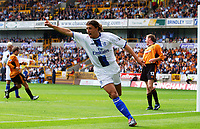 Hernan Crespo celebrates scoring the 4th Chelsea goal. Wolverhampton Wanderers v Chelsea, FA Premiership, 20/09/2003. Credit: Colorsport / Matthew Impey DIGITAL FILE ONLY