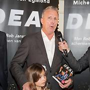 NLD/Scheveningen/20171107 - Boekpresentatie Deal, schrijver Michel van Egmond en Rob Jansen en dochter