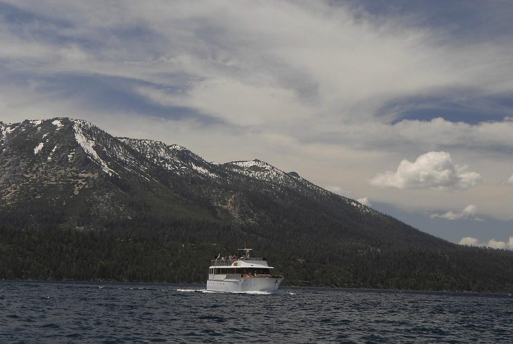 June, 2006:  tour boat on the California side of Lake Tahoe, 1600-foot deep alpine lake on the California-Nevada border. <br /> ©Bob Daemmrich /