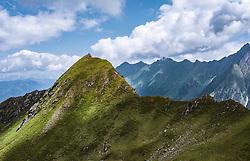 THEMENBILD - Touristen am Gipfel des Geißstein am Kitzsteinhorn, aufgenommen am 16. Juli 2019 in Kaprun, Österreich // Tourists at the summit of Geißstein at the Kitzsteinhorn, Kaprun, Austria on 2019/07/16. EXPA Pictures © 2019, PhotoCredit: EXPA/ JFK