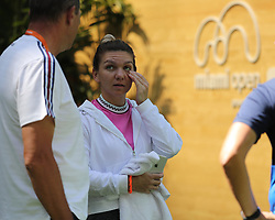 March 22, 2019 - Miami Gardens, Florida, United States Of America - MIAMI GARDENS, FLORIDA - MARCH 22:  Simona Halep on Day 5 of the Miami Open Presented by Itau at Hard Rock Stadium on March 22, 2019 in Miami Gardens, Florida..People: Simona Halep. (Credit Image: © SMG via ZUMA Wire)