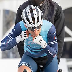 11-03-2021: Wielrennen: Healthy Ageing Tour: Lauwersoog. <br />Lauretta Hanson