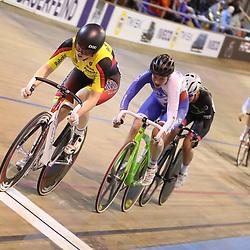 27-12-2017: Wielrennen: NK Baan: Alkmaar <br />De medaillewinnaars klassementswedstrijd in een beeld, Marjolein van 't Geloof (NK) , Roxane Kneteman (zilver), Marit Raaijmakers (brons)