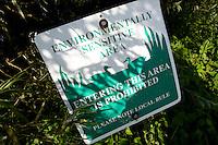 ALMKERK - Natuurgebied, betreden verboden. Golfclub Almkreek. COPYRIGHT KOEN SUYK