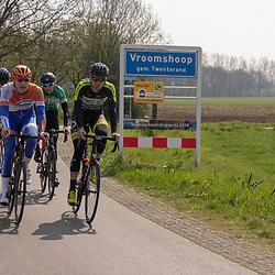 TWENTERAND (NED) wielrennen<br />Verkenning van een nieuw stuk parcours<br />Robin Lowik, Rick Pluimers, Christian Varweg, Wim Kleiman