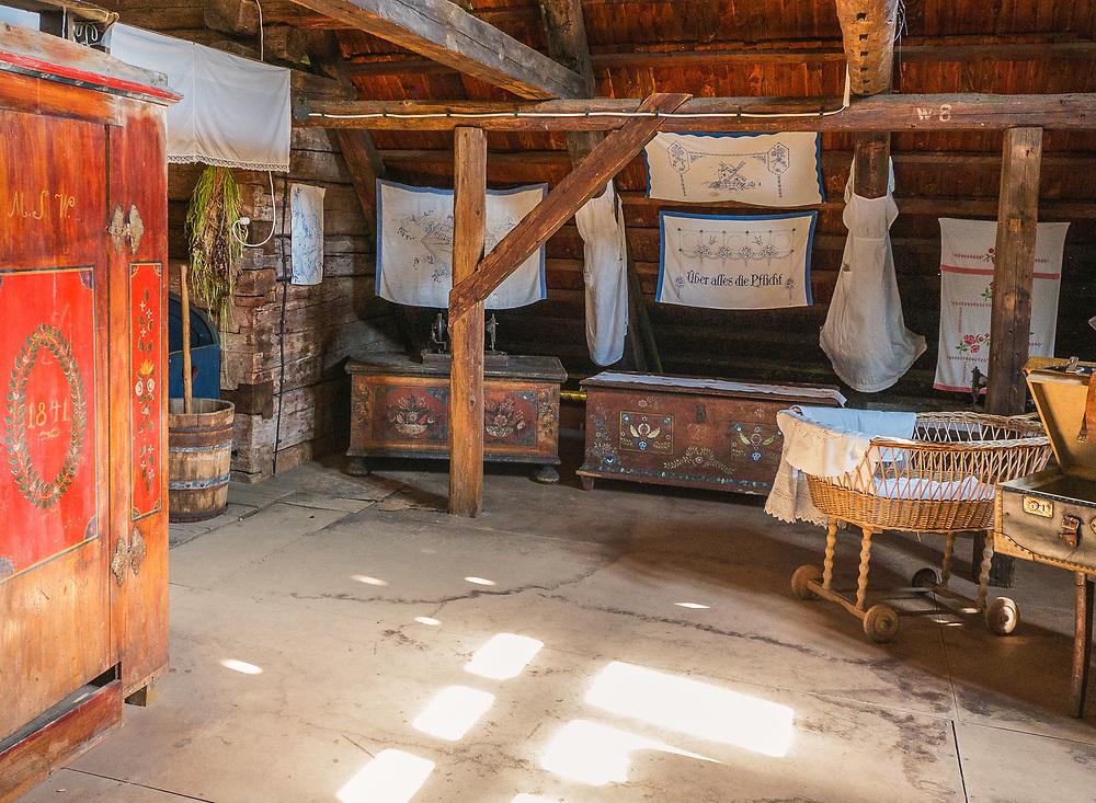 Skansen w Pstrążnej, Muzeum Kultury Ludowej Pogórza Sudeckiego, Kudowa-Zdrój, Polska<br /> Open-air ethnographic museum in Pstrążna, Museum of the Folk Culture of Sudeten Foothills, Kudowa-Zdrój, Poland