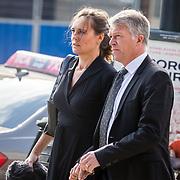 NLD/Amsterdam/20171014 - Besloten erdenkingsdienst overleden burgemeester Eberhard van der Laan, Wouter Bos en partner Barbara Bos