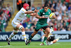 Leicester Tigers centre Dan Bowden goes on the attack - Photo mandatory by-line: Patrick Khachfe/JMP - Tel: Mobile: 07966 386802 - 08/09/2013 - SPORT - RUGBY UNION - Welford Road Stadium - Leicester Tigers v Worcester Warriors - Aviva Premiership.