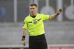 Dommer Jesper Nielsen under kampen i 1. Division mellem FC Helsingør og Kolding IF den 24. oktober 2020 på Helsingør Stadion (Foto: Claus Birch).