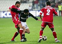 Fotball<br /> UEFA-cup 2004/05<br /> Besiktas v Standard Liege<br /> 1. desember 2004<br /> Foto: Digitalsport<br /> NORWAY ONLY<br /> OGUCHI ONYEWU