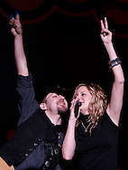 (Tribune Photo/SANTIAGO FLORES)<br /> Kristian Bush and Jennifer Nettles of Sugarland perform at The Morris Performing Arts Center on Friday night.