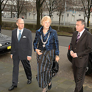 NLD/Utrecht/20070316 - Prinses maxima bezoekt de Nationale Marktdagen van Jong Ondernemen winkelcentrum Hoog Catharijne Utrecht, burgemeester Brouwer